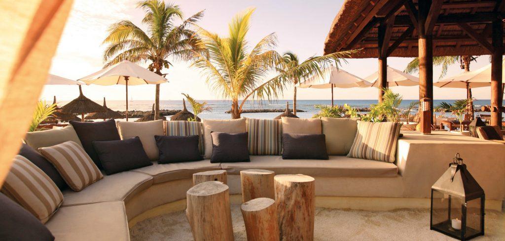 Svane Rejser's hoteller i Mauritius - Strandbar på Pointes aux Biches
