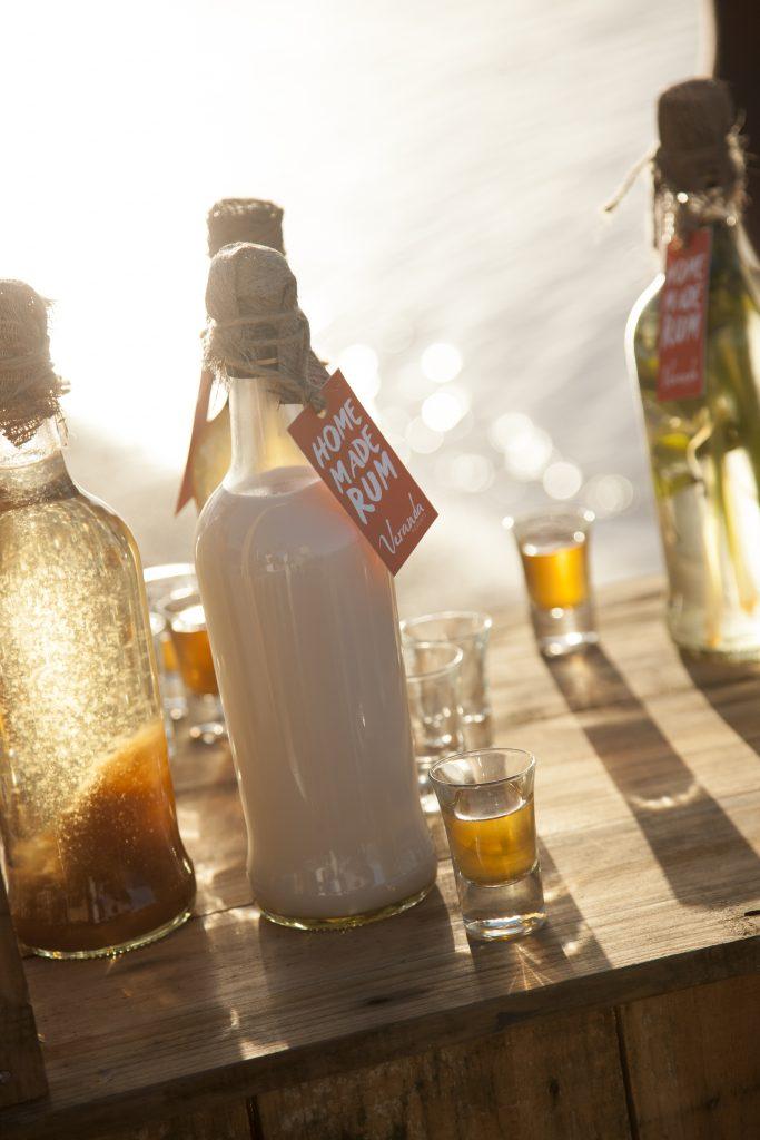 På strandferie i Mauritius bør du også smage øens fine lokale rom